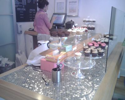 http://www.chocolatecityweb.com/BlogPics/Apr2008/cupcake/4.jpg