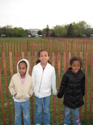 http://www.chocolatecityweb.com/BlogPics/April2009/Easter/whitehouse003.JPG