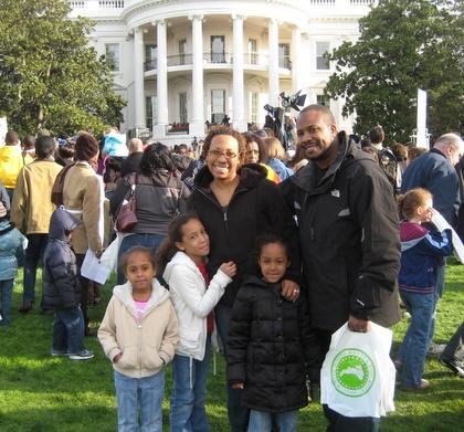 http://www.chocolatecityweb.com/BlogPics/April2009/Easter/whitehouse008.JPG