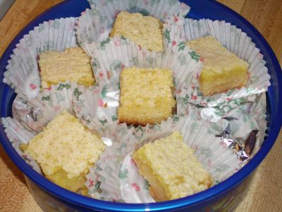 """The image """"http://www.chocolatecityweb.com/BlogPics/Dec2006/Sweets/lemonbars.jpg"""" cannot be displayed, because it contains errors."""