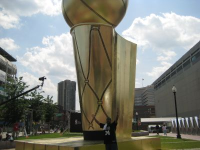 http://www.chocolatecityweb.com/BlogPics/June2008/Celtics2/NBAFinals001.jpg