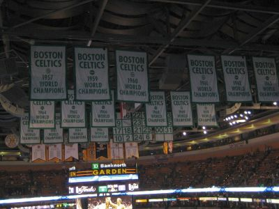http://www.chocolatecityweb.com/BlogPics/June2008/Celtics2/NBAFinals014.jpg