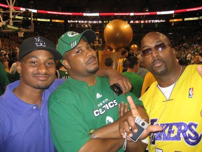 http://www.chocolatecityweb.com/BlogPics/June2008/Celtics2/NBAFinals016.jpg