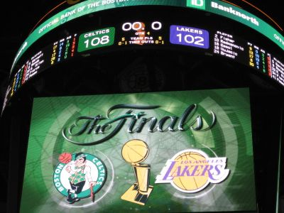 http://www.chocolatecityweb.com/BlogPics/June2008/Celtics2/NBAFinals029.jpg