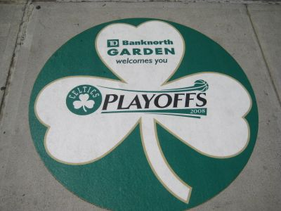 http://www.chocolatecityweb.com/BlogPics/June2008/Celtics2/nbafinals003.jpg
