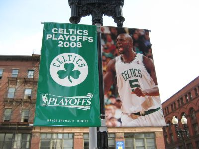 http://www.chocolatecityweb.com/BlogPics/June2008/Celtics2/nbafinals004.jpg
