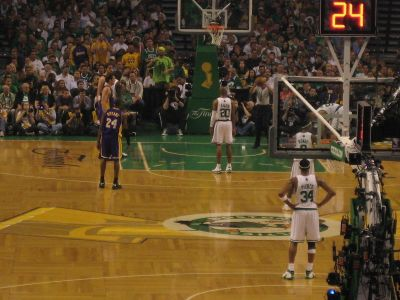 http://www.chocolatecityweb.com/BlogPics/June2008/Celtics2/nbafinals025.jpg