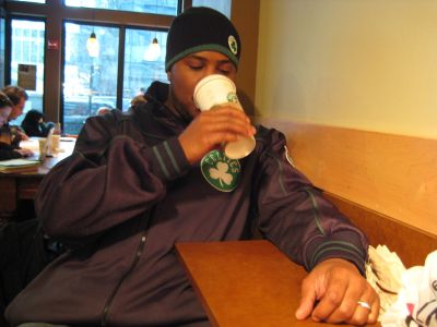 http://www.chocolatecityweb.com/BlogPics/Nov2007/Boston/celtics12.jpg