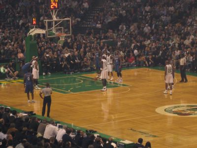 http://www.chocolatecityweb.com/BlogPics/Nov2007/Boston/celtics2.jpg