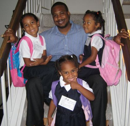 http://www.chocolatecityweb.com/BlogPics/Sept2007/1stDaySchool.jpg